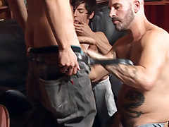 Studs and dads gargle meat pipes at a gang sex soiree